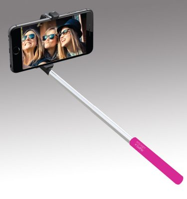 sq-pocket-selfie-in-use